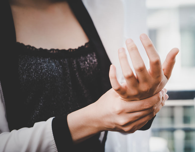 Carpal Tunnel Syndrome — What Stylists Need to Know